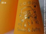 Eleg.-Kaffee-Servietten orange, bedruckt mit Goldprägung und Hochzeits-Motiv: H14 (Hochzeitsauto)